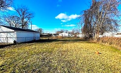 Yard, 1605 E. Greig Avenue, 2