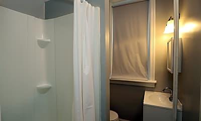 Bathroom, 220 S 43rd St, 2