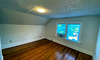 Living Room, 338 E 18th Ave, 2