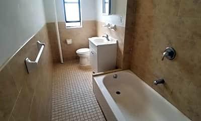 Bathroom, 2 Magaw Pl, 2