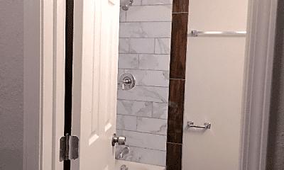 Bathroom, 7530 Canal St, 2