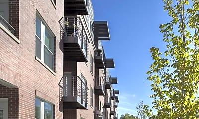 Building, Roosevelt Park Apartments, 2