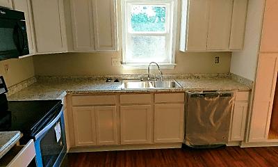 Kitchen, 477 Woodview Dr, 1