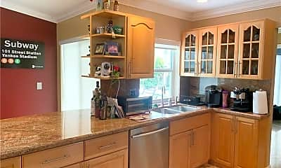 Kitchen, 7805 NW 18th Pl, 2