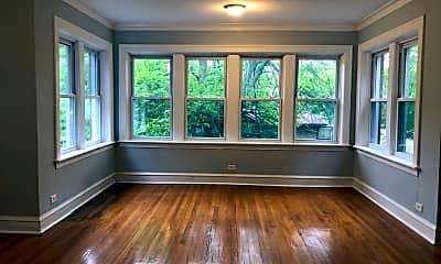 Living Room, 2204 W. Ainslie #2, 1