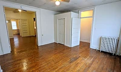 Living Room, 508 S 5th St, 1