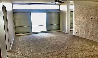 Living Room, 4600 Ocean Dr, 1
