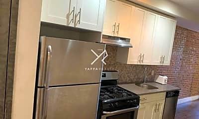 Kitchen, 558 Kosciuszko St, 1