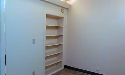 Bedroom, 713 E San Patricio Ave, 2
