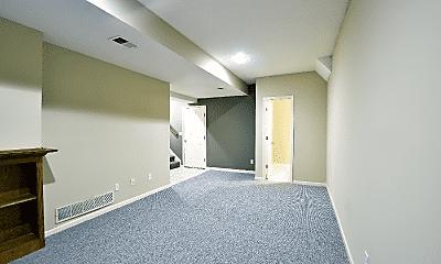 Living Room, 532 Melissa St, 2