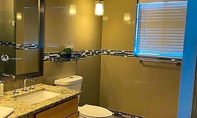 Bathroom, 13500 US-1, 2