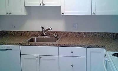 Kitchen, 73 Pond St, 2