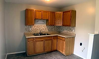 Kitchen, 1589 Maumee Dr, 1