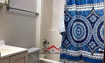 Bathroom, 3820 Alder St, 1