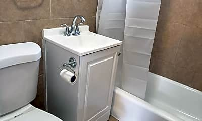Bathroom, 6935 Purdy Ave, 2