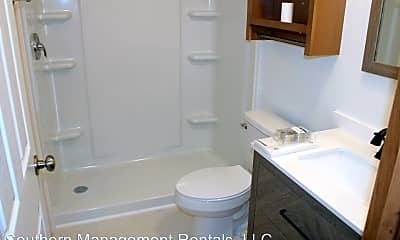 Bathroom, 450 Ridge Rd, 2