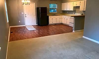 Living Room, 502 Oak St, 1