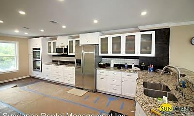 Kitchen, 11 Bayshore Point, 1