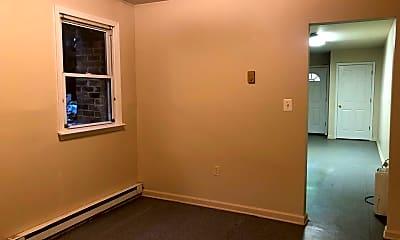 Bedroom, 115 E Franklin St, 2