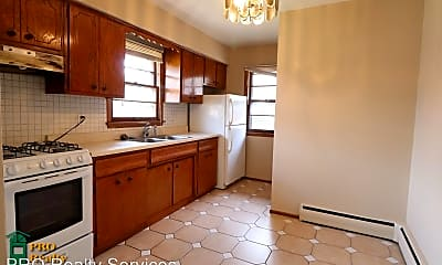 Kitchen, 4811 Lakeview Ave N, 1