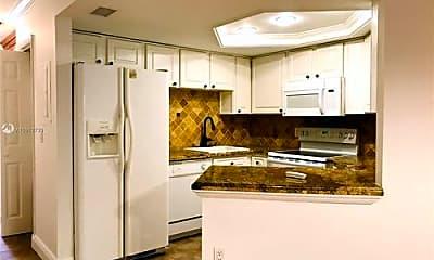 Kitchen, 8363 Lake Dr, 1