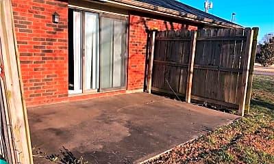 Building, 1405 SW D St, 2