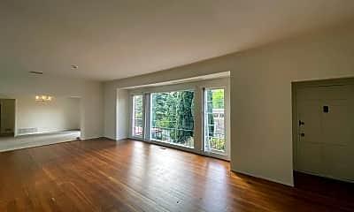 Living Room, 13250 Cheltenham Dr, 1