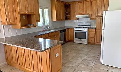 Kitchen, 135 Ampere Ave SUMMER, 1