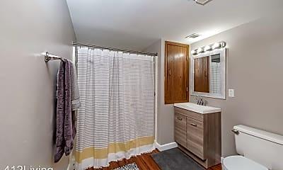 Bathroom, 1300 High St, 2