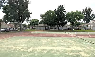 Pool, 1418 N Elderberry Ave, 2