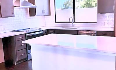 Kitchen, 1606 N Hackberry # 204, 1
