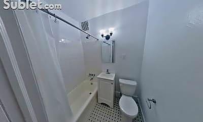 Bathroom, 1425 3rd Ave, 0