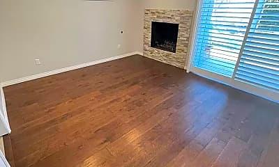 Living Room, 924 N Reese Pl, 2