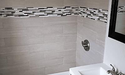 Bathroom, 7313 S Stewart Ave, 2