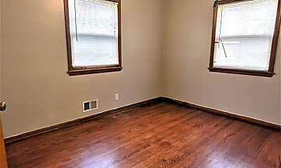 Bedroom, 1319 E Howard Ave, 2