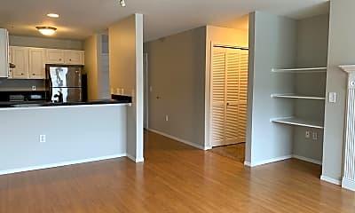 Kitchen, 318 NE Roberts Ave, 1
