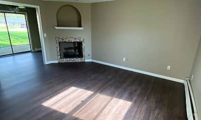 Living Room, 7527 Imperial Plaza Dr, 1