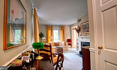 Living Room, 1107 N Pitt St 2A, 1