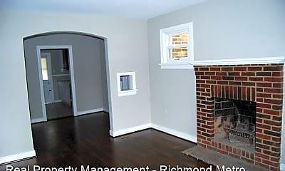 Living Room, 1307 Mt Erin Dr, 1