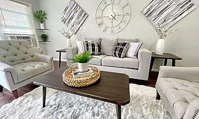 Living Room, 7530 Canal St, 0