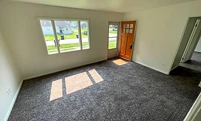 Living Room, 200 N 37th St, 1