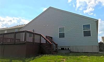 Building, 108 Meadowcrest Dr, 1