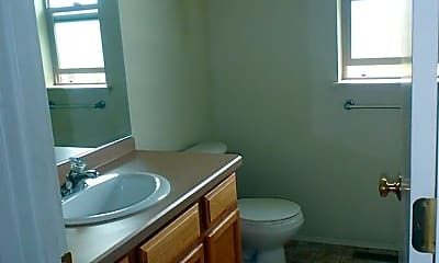 Bathroom, 3071 NE Weddell St, 2