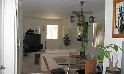 Pattywood Apartments, 2
