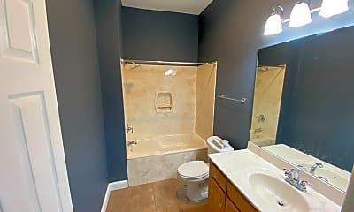 Bathroom, 2628 Lafayette Ave, 2
