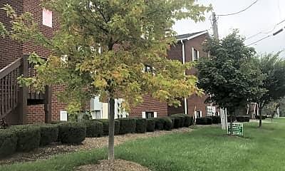 Columbia Court, 0