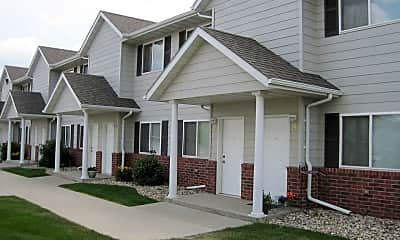 Building, Saddle Creek Townhomes 5415 West 57th Street, 0