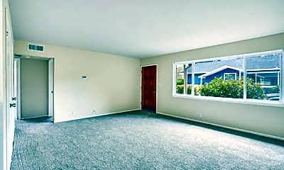 Living Room, 21 E 39th Ave, 0