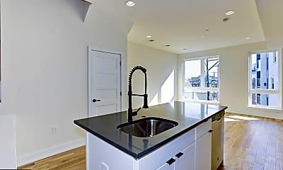 Kitchen, 2010 Amber St 3, 1