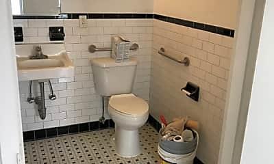 Bathroom, 113 Morningside Ave, 2